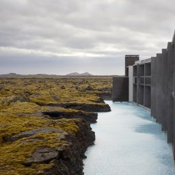IJsland-Grindavík-The-Retreat-at-Blue-Lagoon-detail-gebouw