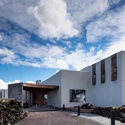 IJsland-Grindavík-The-Retreat-at-Blue-Lagoon-ingang