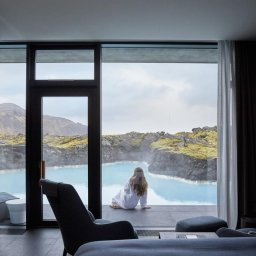 IJsland-Grindavík-The-Retreat-at-Blue-Lagoon-uitzicht-kamer