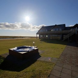 IJsland-Hella-Hotel-Rangá-hottube