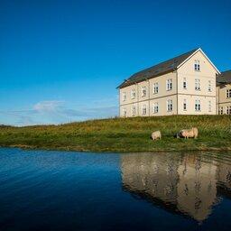 IJsland-Snæfellsness -Hotel-Búdir-gebouw