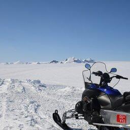 IJsland-snowscooter