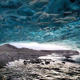 IJsland-Vatnajokull-ice-cave