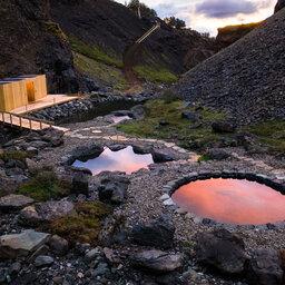 IJsland-Zuidkust-Excursie-Bezoek-aan-de-Giljaböð-Natural-Pools-7