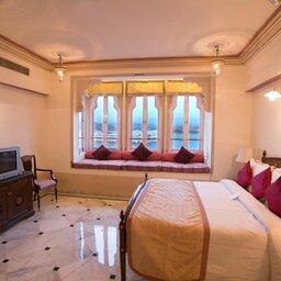 India-Udaipur-Fateh Prakash Palace5