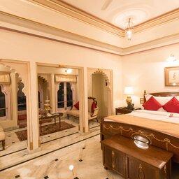 India-Udaipur-Fateh Prakash Palace6