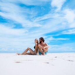 Indonesië-algemeen-couple-beach