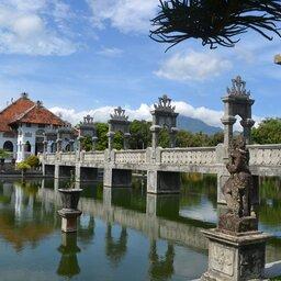Indonesië-Bali-De-Oostkust-Bezoek-aan-Ujung-waterpaleis-2