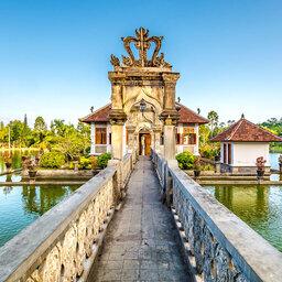 Indonesië-Bali-De-Oostkust-Bezoek-aan-Ujung-waterpaleis-8