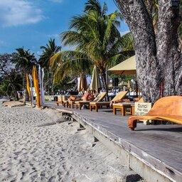 Indonesië-Lombok-Senggigi-Qunci-Villas-strand