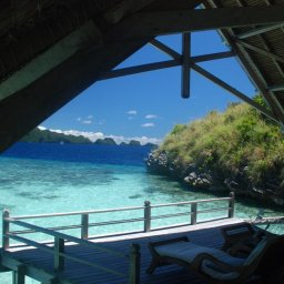 Indonesië-Misool-Misool-Resort-uitzicht-kamer