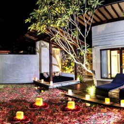 Indonesie-Senggigi-Katamaran-Resort-terras-kamer