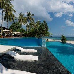 Indonesie-Senggigi-Katamaran-Resort-zwembad2