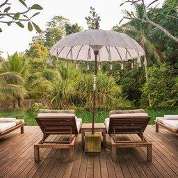 Indonesië-Ubud-Komaneka-Bisma-zwembad-ligbedjes-1