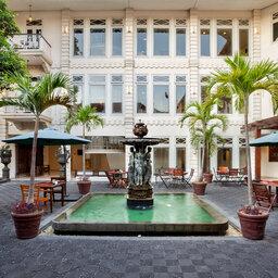 Indonesie-Yogyakarta-The-Phoenix-fontein