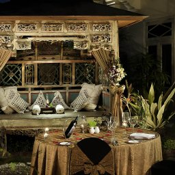 Indonesie-Yogyakarta-The-Phoenix-zithoek-buiten
