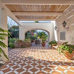 Ischia-Botania-Relais-&-Spa-patio