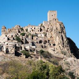 Italië-Basilicata-Excursie-Gegidst-bezoek-aan-Matera-en-Craco