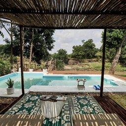 Kenia-Masai Mara-Emboo River Camp-zwembad-min