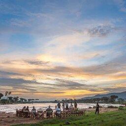 Kenia-Samburu Game Reserve-Elephant Bedroom Camp-diner bij de rivier