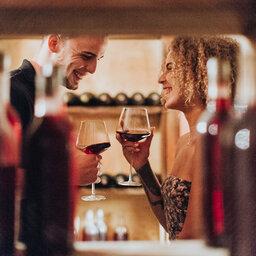 La-Reunion-Cilaos-Hotel-Tsilaosa-wijnproeverij-koppel