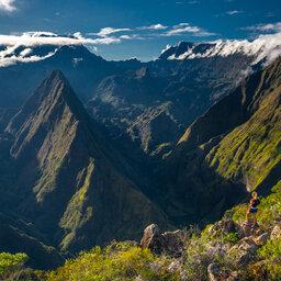 La-Reunion-noorden-excursie-wandeling-La-Roche-Verre-Bouteille-CREDIT IRT-Volcadrone-productions