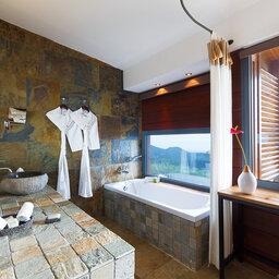 La-Reunion-oostkust-Diana-Dea-Lodge-superieure-kamer-badkamer