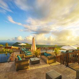 La-Reunion-oostkust-Diana-Dea-Lodge-terras