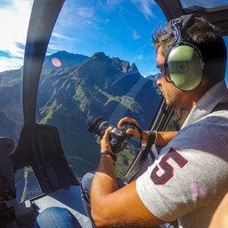 La-Reunion-westkust-excursie-helikopter-CREDIT-IRT-bruno-tandrya