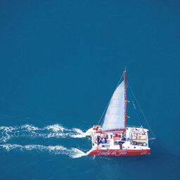La-Reunion-westkust-excursie-prive-catamaran-emmanuel-virin