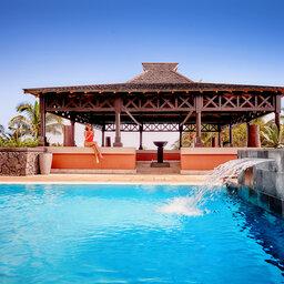 La-Reunion-westkust-iloha-seaview-hotel-guetali-zwembad