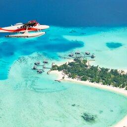 Malediven-watervliegtuig in de lucht