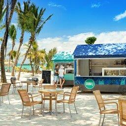 Mauritius-Lagoon-Attitude-hotel-beach-bar