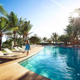Mauritius-Lux-Grand-Gaube-hotel-zwembad