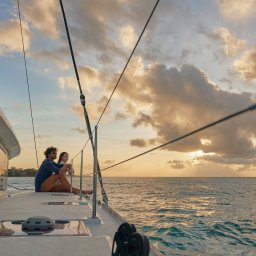 Mauritius-noorden-Paradise-Cove-Hotel-koppel-catamaran-1