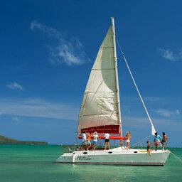 Mauritius-noorden-Zilwa-Attitude-hotel-catamaran