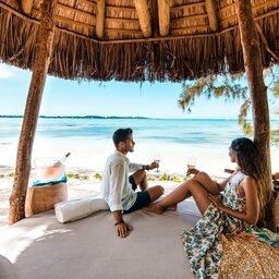 Mauritius-oosten-Shangri-la-le-touessrok-koppel-aperitief-zee