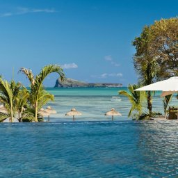 Mauritius-Zilwa-Attitude-hotel-infinity-zwembad
