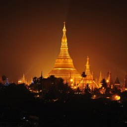 Myanmar-Yangon-hoogtepunt-shwedagon pagode by night