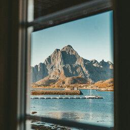 Noord-Noorwegen-Lofoten-Skarungen-hotel-kamer-rorbu