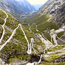 Noorwegen-Trondelag-Bezienswaardigheid-The-Golden-Road-Trollstigen-bergpas (1)
