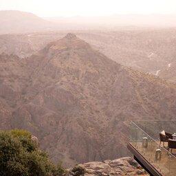 Oman-bergen-Anantara Al Jabal Al Akhdar resort-zicht op de bergen