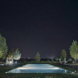 Portugal-Alentejo-Hotel-L-And-Vineyard-hotel-zwembad-avond