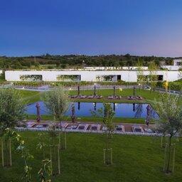 Portugal-Alentejo-Hotel-L-And-Vineyard-hotel-zwembad1
