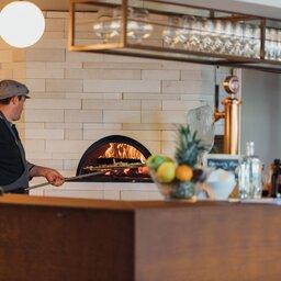 Portugal-Douro-Hotel-Douro41-pizza-oven