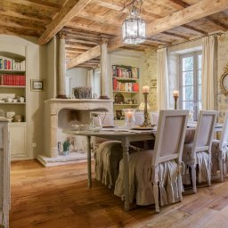 Provence-Saint-Rémy-mas-de-beauregard-eetkamer