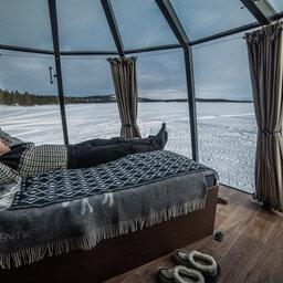 rsz_finland-lapland-ivalo-wilderness-hotel-nangu-lake-inari-aurora-hut-slaapkamer[1]