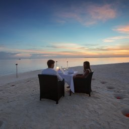 rsz_malediven-south-malé-atoll-velassaru-romantisch-diner