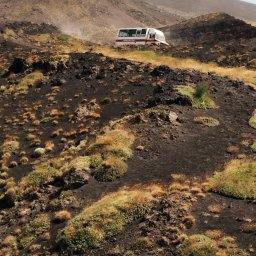 rsz_oost-sicilie-etna-excursie-mt_etna_jeep_and_hiking_tour_with_lunch_at_agriturismo-2