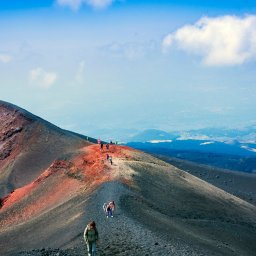 rsz_oost-sicilie-etna-excursie-mt_etna_jeep_and_hiking_tour_with_lunch_at_agriturismo_4